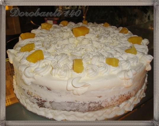 Tort cu vanilie, ananas si frisca